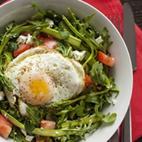 Спаржа с яичницей рецепт
